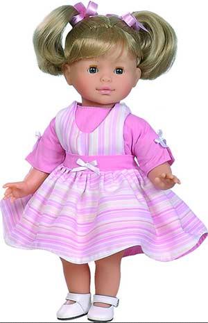 Подготовка куклы Катеньки ко дню рождения. (младшая группа)