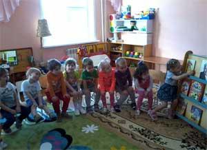Конспект непосредственно образовательной деятельности в средней группе «Чтение сказки К.И. Чуковского «Федорино горе». Дидактическая игра «Разноцветный сундучок» (предметные картинки – «посуда»)».