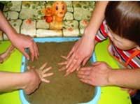 Как отучить ребёнка от вредных привычек инновационными средствами песочной терапии (кинетический песок)