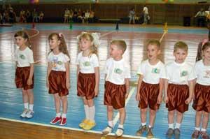 Сценарий летнего  спортивно-музыкального праздника для детей дошкольного возраста Мы веселые ребята!