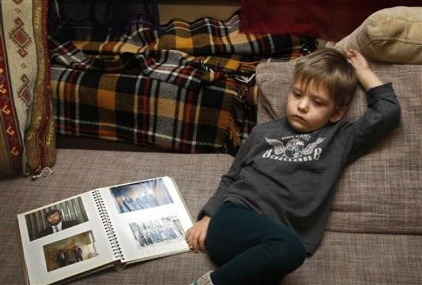История про мальчика который хотел просто сидеть или на самом ли деле мамы знают лучше