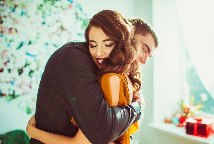 5 сообщений которые будет отправлять влюбленный в вас мужчина